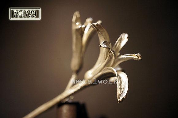 MW B1028 The Symphony Brooch