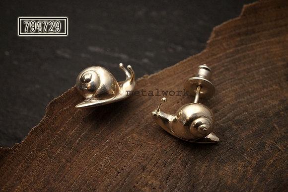 MW E1016 925 Silver Snail Studs