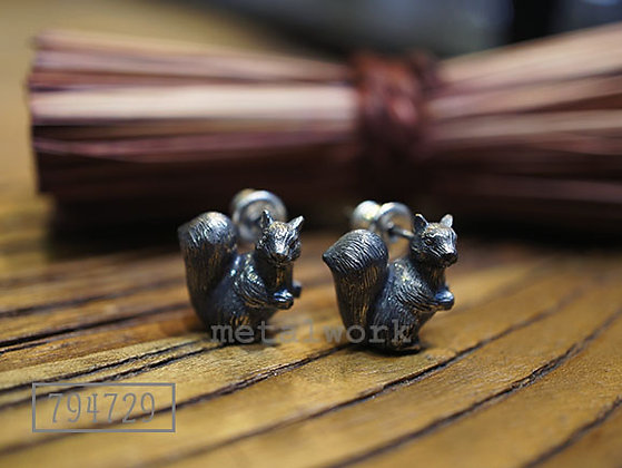 MW E1003 The Squirrels 925 Silver Earrings