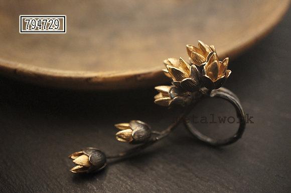 MW R1013 The Wreath Ring