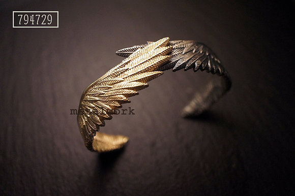 MW B1018 The 9K Gold Guardian Angel Bangle