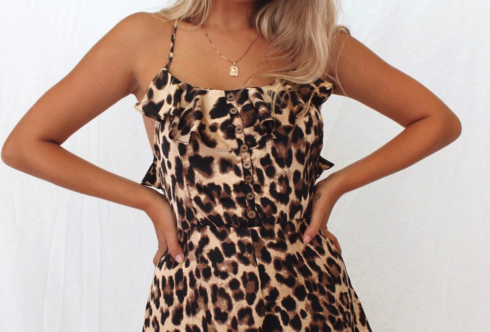 Super cute leopard playsuit, easy on trend style that would look super cute with white sneekers!