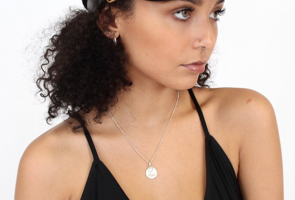 Cute black fiddlerstyle hat, perfect for festival outfits and all season round!