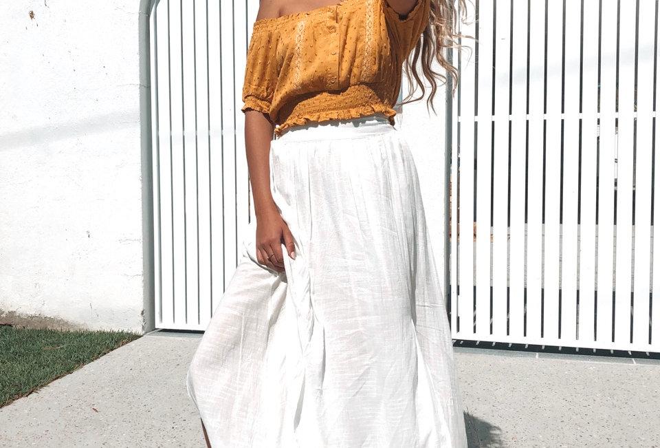 Stunning white linen skirt, perfect white summer skirt!