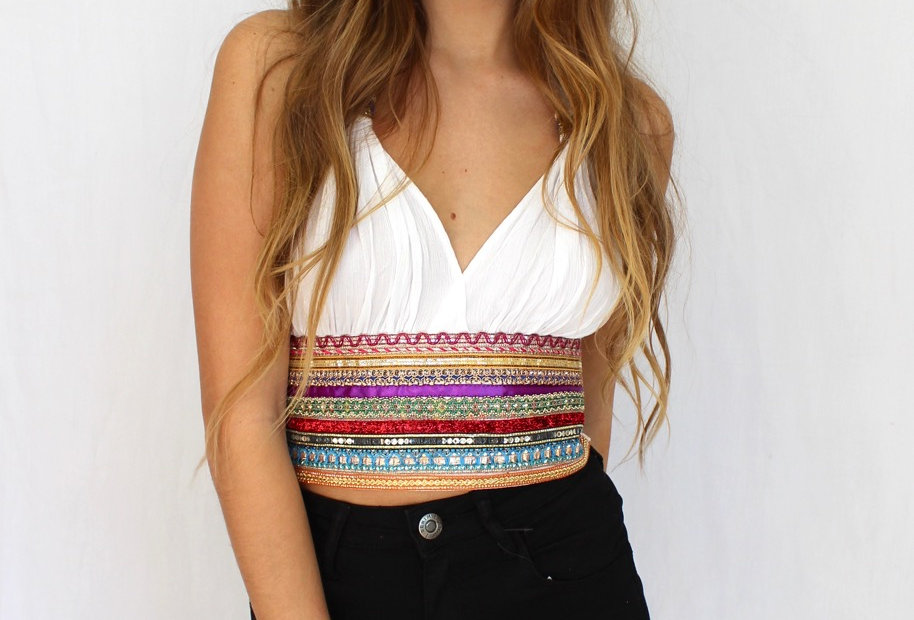 FESTIVAL VIBES CROP TOP // WHITE