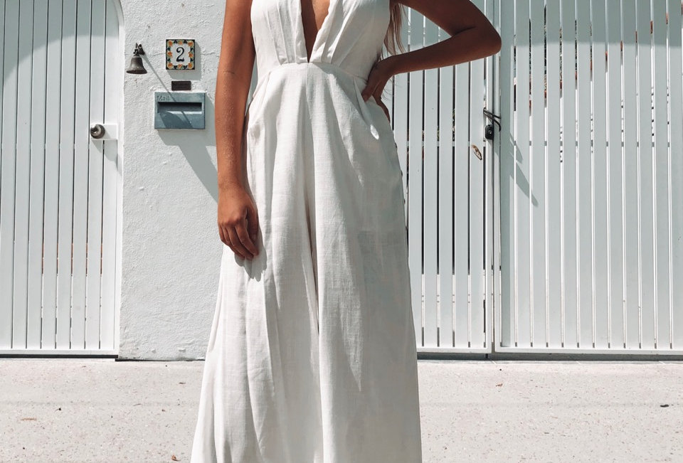 Stunning smart casual, white linen jumpsuit!