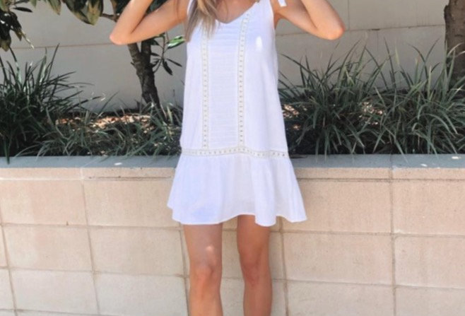 Cute linen white dress  V neck line Ties at shoulders Lace detailing Linen Lined 30% Linen 70% Cotton Cold Delicate MachineW