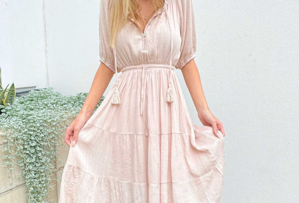 Stunning light pink midi dress with sliver runs throughout   Midi dress Buttons at bust Elastic wasit Draw string Lined Tasse