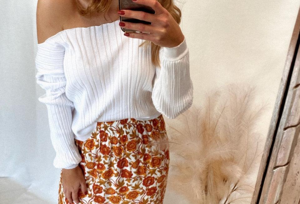 Cute floral boho maxi skirt Maxi length Side Pockets Elastic waist Easy fit 100% Rayon