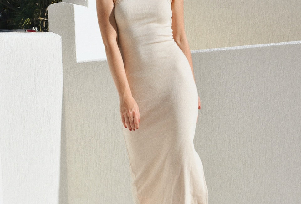 Cute oatmealcolouredbodycon midi dress  High neck Ribbed fabric Oatmeal colour Stetch 95%Cotton 5% Spandex feel fabric
