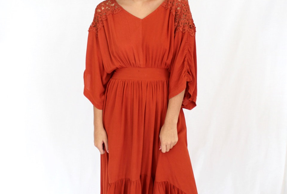Cute rust coloured maxi dress, perfect chuck on for cooler weather!