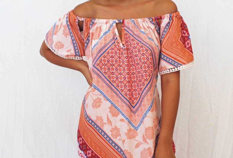 Cute patterned off the shoulder dress, easy wear perfect for the heat!