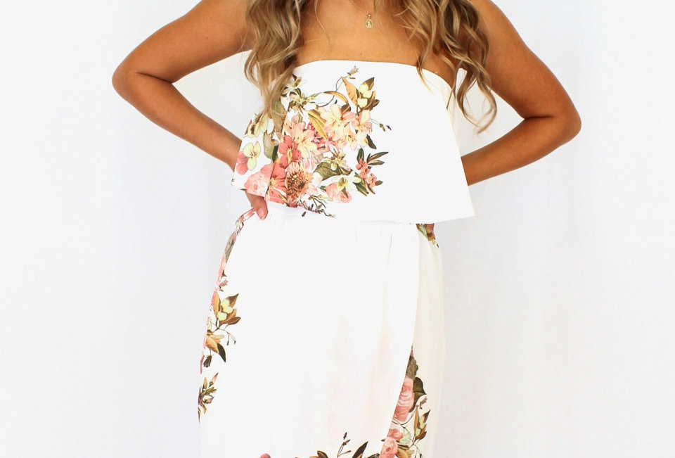 Cute strapless floral cocktail dress, perfect for the races or something a little bit more fancy!