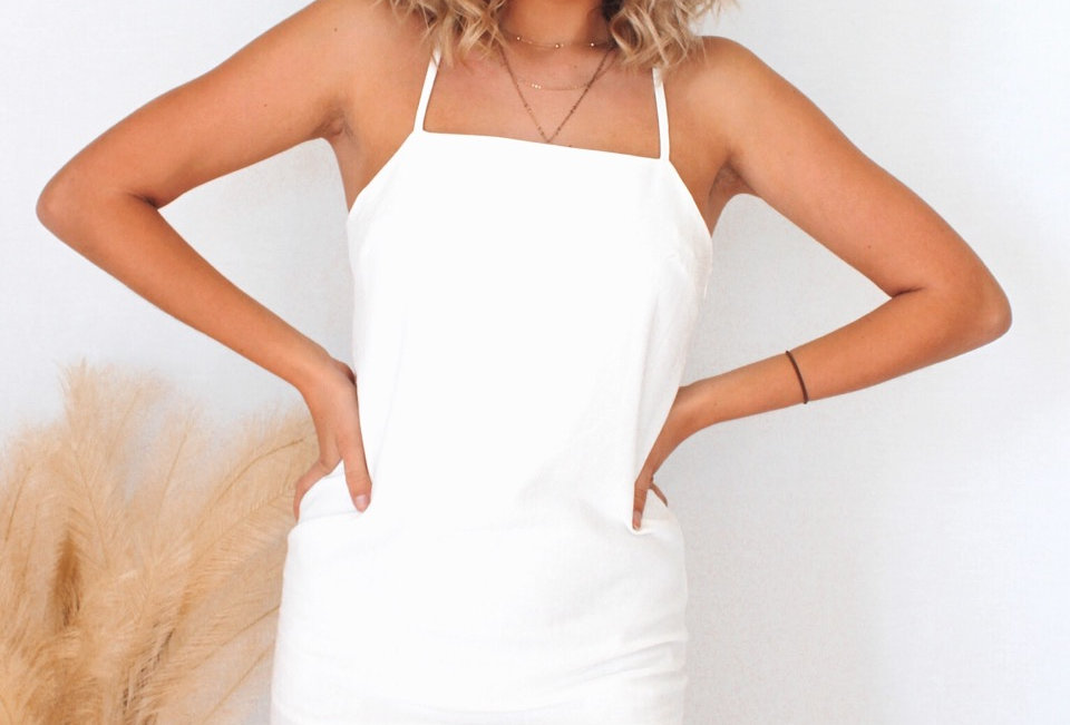 P316907  PAPER CLOSET white linen box front body con dress, low back ties at back zip at back slit in front for leg lining