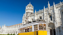 Tax benefits for pensioners and high added value professionals taking up residence in Portugal