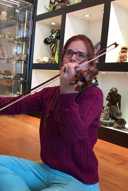 Gemma trying a new violin, improvising a new music. Raw unedited footage.