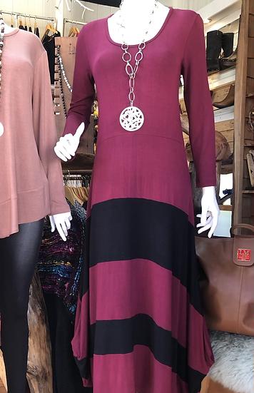 Vestido Alerce negro púrpura talla única