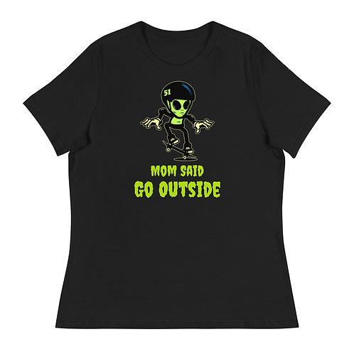 """""""Alien Skate"""" Women's Relaxed T-Shirt"""