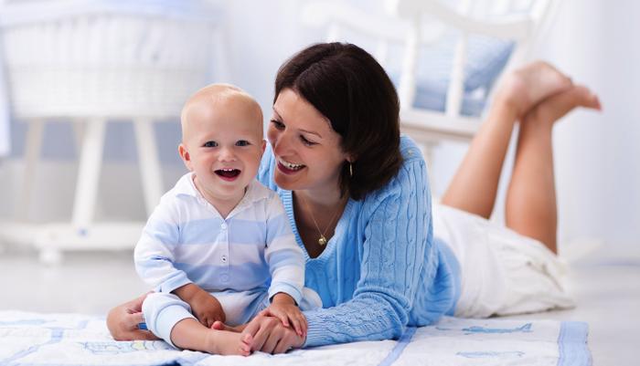 Como cuidar da pele do bebê no frio