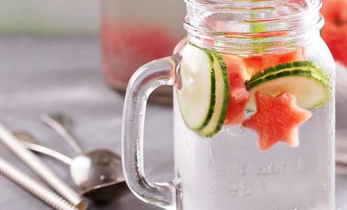 Água aromatizada: delícia que hidrata