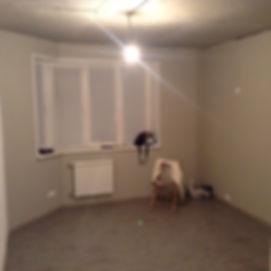 Большая комната после ремонта квартиры