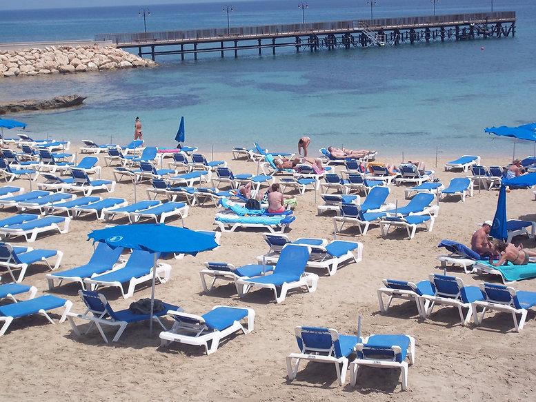 villas for rent in cyprus