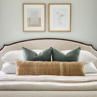 CALM AND AIRY MASTER BEDROOM IN MABLETON