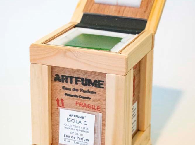 Artfume crate 08 copyrights Peter de Cup