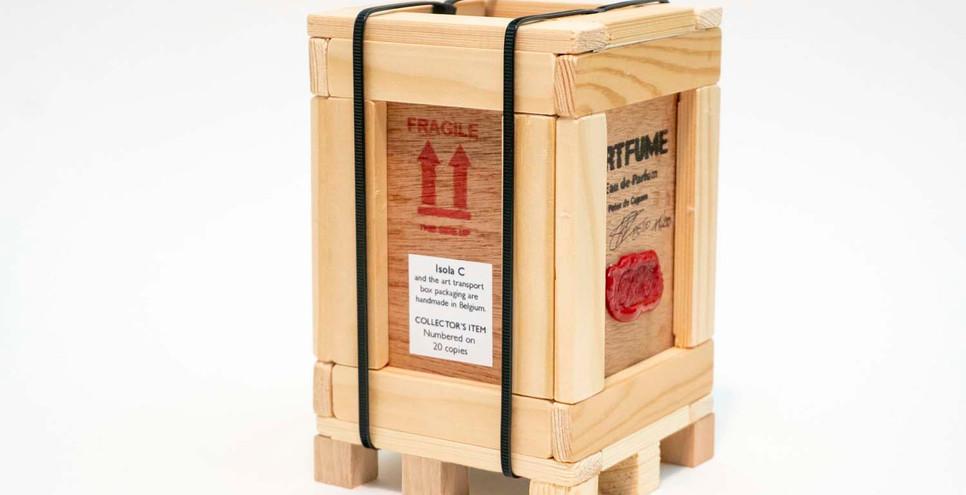 Artfume crate 02 copyrights Peter de Cup