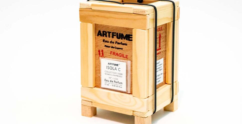 Artfume crate 01 copyrights Peter de Cup