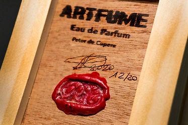 Artfume seal 01 copyrights Peter de Cupe