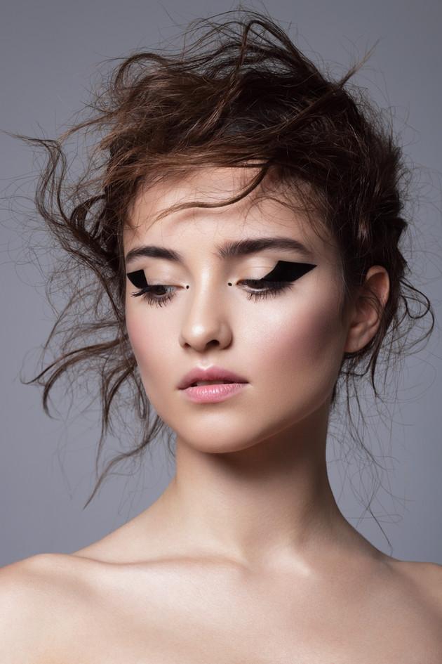 Grafický Eyeliner Makeup