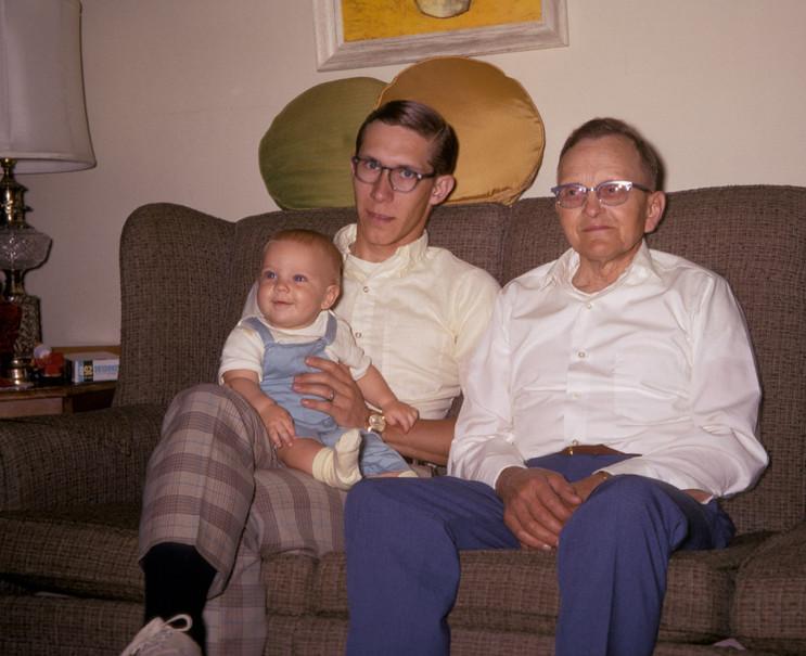 family_085.jpg