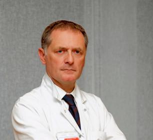 L'INTERVIEW | Philippe JUVIN, chef du service des urgences de l'Hôpital européen Georges Pompidou