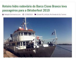 Roteiro hidro rodoviário do Barco Cisne Branco leva passageiros para a Oktoberfest 2019