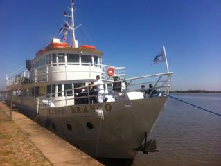 Barco Cisne Branco volta às águas no Guaíba