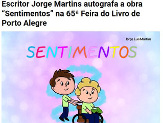 """Escritor Jorge Martins autografa a obra """"Sentimentos"""" na 65ª Feira do Livro de Porto Alegre"""