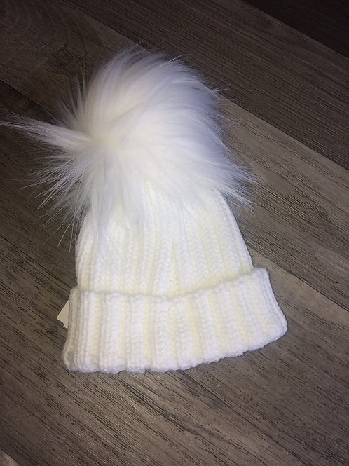 Kinder Ribbed Hat with Faux Fur Pom-White