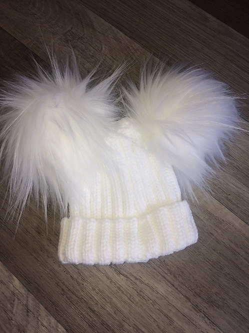 Kinder Ribbed Hat with Twin Faux Fur Pom-White
