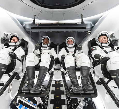 NASA-JAXA-astronauts-spacex-crew-in-drag