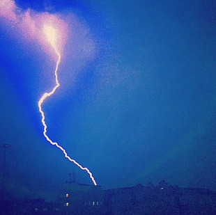 lighting bolt in the storm_ electrolite (a 24 hrs throwback)