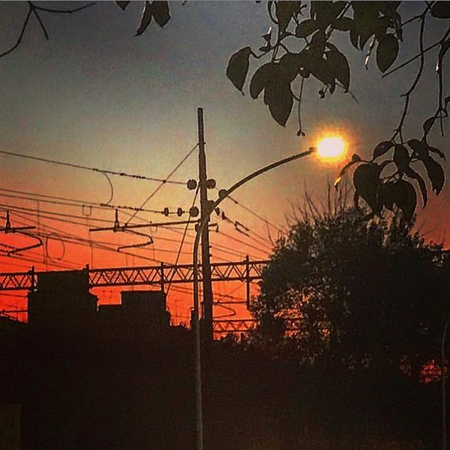(just a) metropolitan sunset (when natur