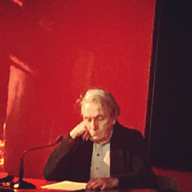 le philosophe avant de commencer son discours. a portrait of Jacques Ranciére, ce soir in Rome (le rouge et le noir)