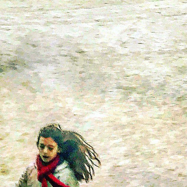 running girl in white gravel (streetglimpse)