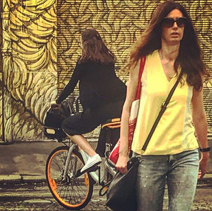 keep on moving_ mirrored (crossing the city heat)