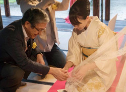日本の生きた素材や本物に触れてもらう