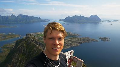 selfie_mountaintop.png