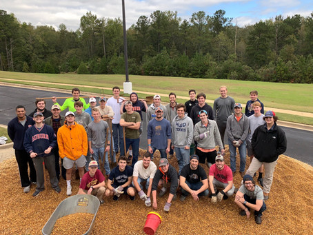 Sigma Chi Gamma Serves at Local Church