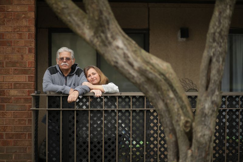Steve and Linda Trilling at their home on April 24, 2020, in Buffalo Grove. Steve was scheduled for a kidney transplant in June but his surgery has been postponed due to the coronavirus pandemic. (Stacey Wescott / Chicago Tribune)