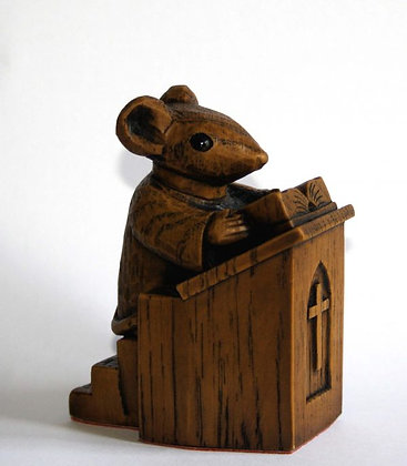 Church Mouse- Vicar in the Pulpit